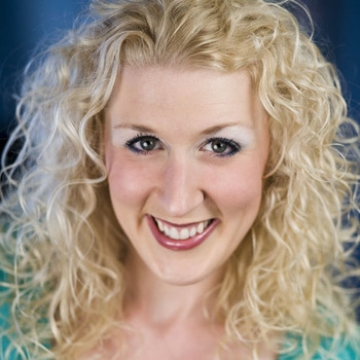 Headshot Image of Jest Murder Mystery Co. Entertainer Debi Kilde